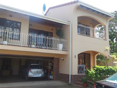Townhouse for sale in Umtentweni