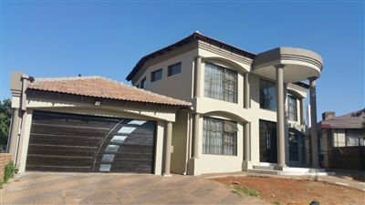 Centurion, Laudium Property  | Houses For Sale Laudium, Laudium, House 4 bedrooms property for sale Price:2,250,000