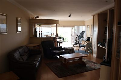 Middedorp property for sale. Ref No: 13271391. Picture no 48