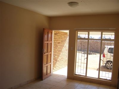 Oudorp property to rent. Ref No: 13350681. Picture no 9