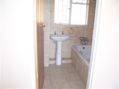 Oudorp to rent property. Ref No: 13350681. Picture no 8