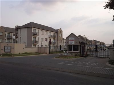 Property and Houses for sale in Klippoortjie Ah, Townhouse, 1 Bedrooms - ZAR 300,000