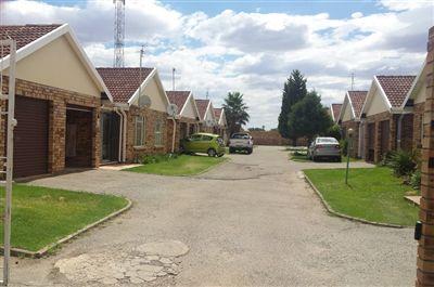 Klerksdorp, La Hoff Property  | Houses To Rent La Hoff, La Hoff, Townhouse 3 bedrooms property to rent Price:,  3,50*