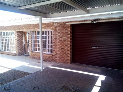 Bloemfontein, Westdene Property  | Houses For Sale Westdene, Westdene, Townhouse 3 bedrooms property for sale Price:950,000