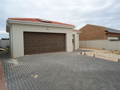 Property and Houses for sale in Kuils River, House, 3 Bedrooms - ZAR 1,490,000