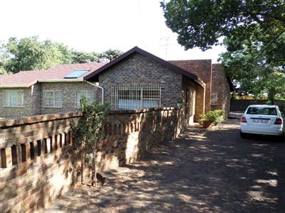 Germiston, Parkhill Gardens Property  | Houses For Sale Parkhill Gardens, Parkhill Gardens, House 4 bedrooms property for sale Price:1,300,000