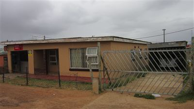 Kwanobuhle, Kwanobuhle Property  | Houses For Sale Kwanobuhle, Kwanobuhle, House 4 bedrooms property for sale Price:280,000