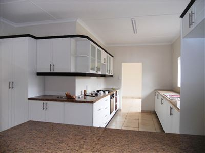 Hilton property to rent. Ref No: 13290588. Picture no 2