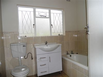 Hilton property to rent. Ref No: 13290588. Picture no 9