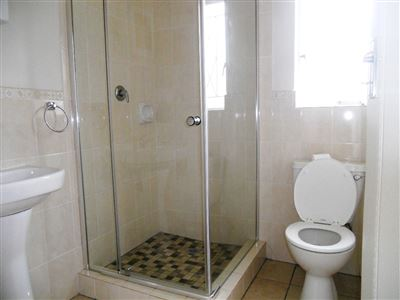 Hilton property to rent. Ref No: 13290588. Picture no 10