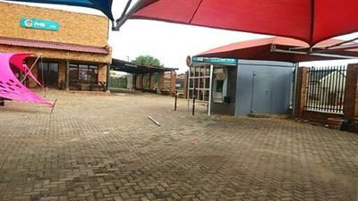 Property Vosloorus : Houses For Sale Vosloorus, Vosloorus, Retail  property for sale Price:5,000,000