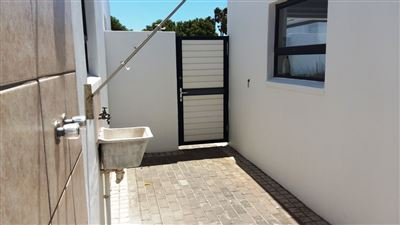 Shelley Point property to rent. Ref No: 13288857. Picture no 17