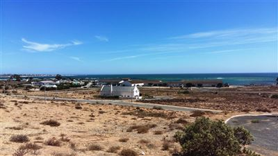 Da Gama Bay property for sale. Ref No: 13290429. Picture no 1