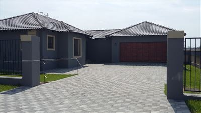 Property and Houses for sale in Brakpan, House, 3 Bedrooms - ZAR 1,690,000