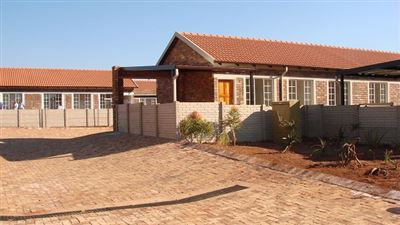 Pretoria, The Orchards & Ext Property  | Houses For Sale The Orchards & Ext, The Orchards & Ext, Townhouse 3 bedrooms property for sale Price:450,000