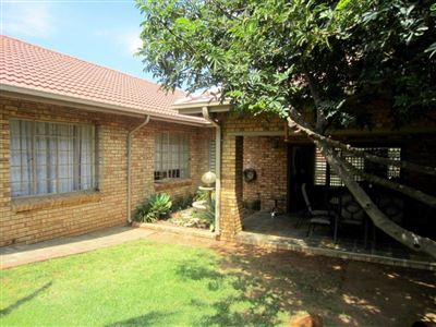 Rustenburg, Azalea Park Property  | Houses For Sale Azalea Park, Azalea Park, House 3 bedrooms property for sale Price:1,590,000