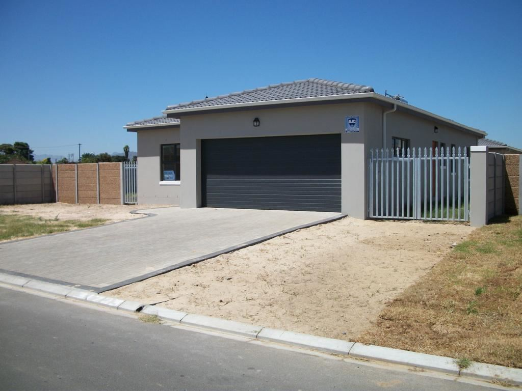 Fabulous new development in Viking Village, Kraaifontein.