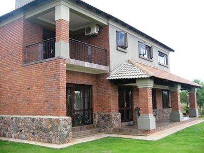 House for sale in Leeuwfontein