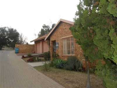 Witbank, Die Heuwel & Ext Property  | Houses For Sale Die Heuwel & Ext, Die Heuwel & Ext, Townhouse 4 bedrooms property for sale Price:1,200,000
