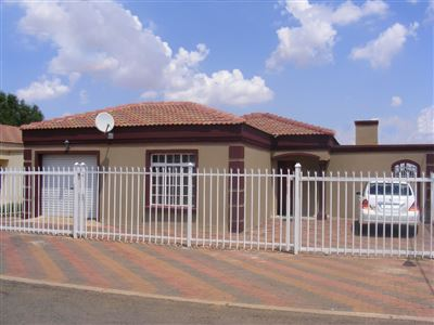 Mandela View property for sale. Ref No: 13298090. Picture no 1