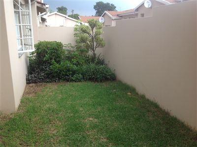 Property Lambton : Houses To Rent Lambton, Lambton, Townhouse 2 bedrooms property to rent Price:,  6,00*