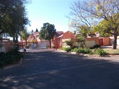 Germiston, Airport Park Property  | Houses For Sale Airport Park, Airport Park, Townhouse 2 bedrooms property for sale Price:480,000