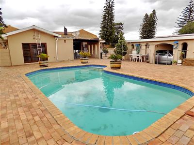 Property and Houses for sale in Kuils River, House, 4 Bedrooms - ZAR 1,750,000