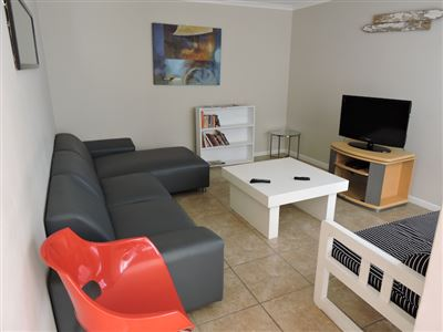 Mid Town property for sale. Ref No: 13301471. Picture no 1