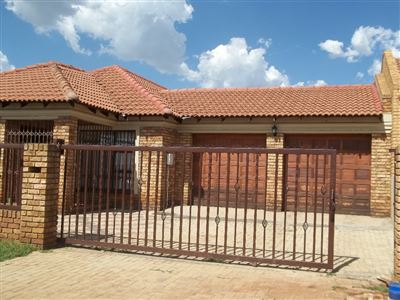 Boksburg, Vosloorus & Ext Property  | Houses For Sale Vosloorus & Ext, Vosloorus & Ext, House 4 bedrooms property for sale Price:990,000