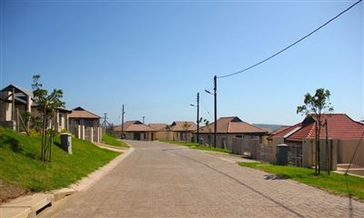 Property and Houses for sale in Kidds Beach, House, 3 Bedrooms - ZAR 835,000