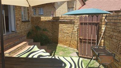 Rustenburg, Safari Gardens & Ext Property  | Houses To Rent Safari Gardens & Ext, Safari Gardens & Ext, Townhouse 2 bedrooms property to rent Price:,  5,00*