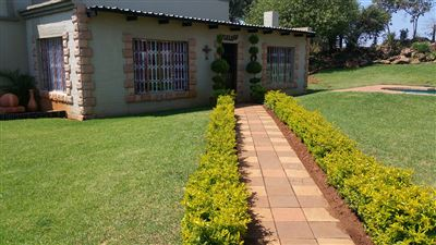 Rustenburg And Ext property for sale. Ref No: 13304637. Picture no 7
