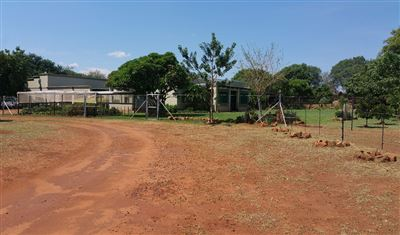 Rustenburg And Ext property for sale. Ref No: 13304637. Picture no 35