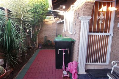 Middedorp property for sale. Ref No: 13304764. Picture no 17