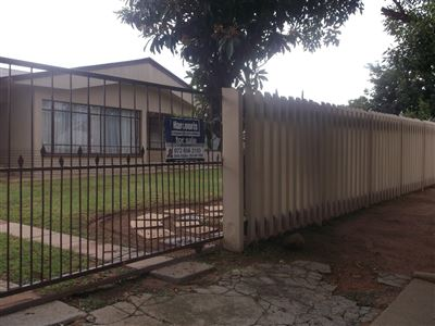 Klerksdorp, Roosheuwel Property  | Houses For Sale Roosheuwel, Roosheuwel, House 3 bedrooms property for sale Price:540,000