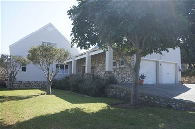 Stilbaai Wes property for sale. Ref No: 13306334. Picture no 1