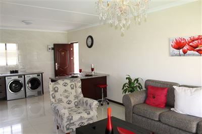 Cashan And Ext property for sale. Ref No: 13307462. Picture no 6
