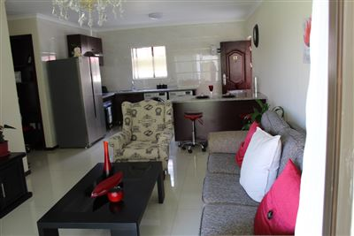 Cashan And Ext property for sale. Ref No: 13307462. Picture no 7