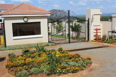 Cashan And Ext property for sale. Ref No: 13307462. Picture no 2