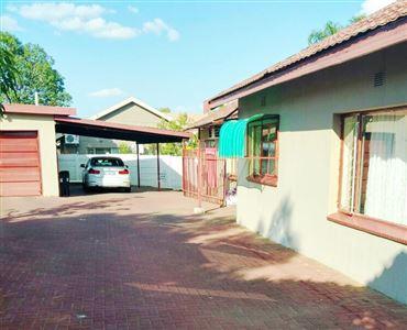 Rustenburg, Geelhoutpark And Ext Property    Houses For Sale Geelhoutpark And Ext, Geelhoutpark And Ext, House 4 bedrooms property for sale Price:1,375,000