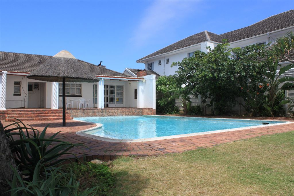 Summerstrand R2 200 000