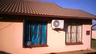 Tlhabane West property for sale. Ref No: 13309231. Picture no 4