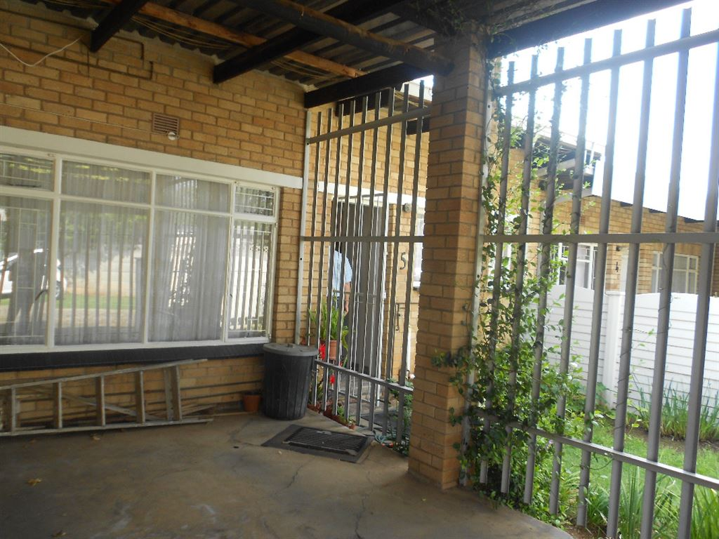 Renovated Close to River Parys