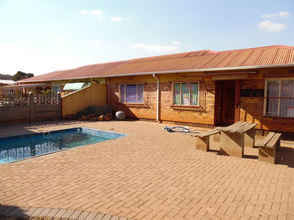 Beautifull 3 bedroom house in cw6, Vanderbijlpark