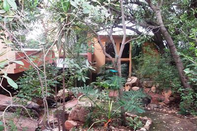 Safari Gardens & Ext property for sale. Ref No: 13312143. Picture no 5