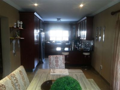 Cashan And Ext property for sale. Ref No: 13312203. Picture no 9