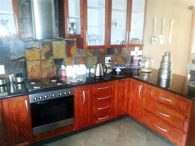 Cashan And Ext property for sale. Ref No: 13312203. Picture no 8
