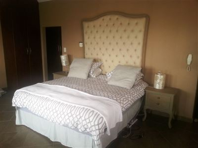 Cashan And Ext property for sale. Ref No: 13312203. Picture no 16