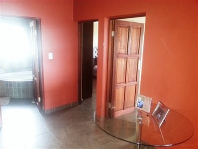 Cashan And Ext property for sale. Ref No: 13312203. Picture no 22