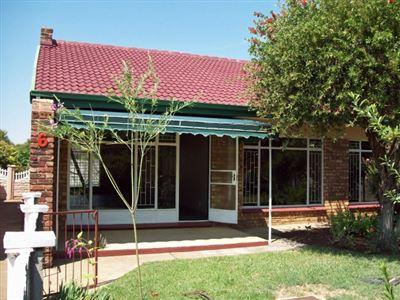 Klerksdorp, Doringkruin Property    Houses For Sale Doringkruin, Doringkruin, House 2 bedrooms property for sale Price:635,000